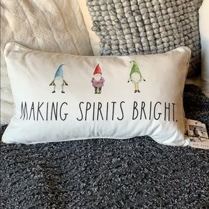 🆕 Rae Dunn Gnome Holiday Pillow